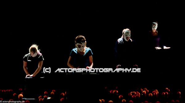 spinatheater_book_of_faces-3